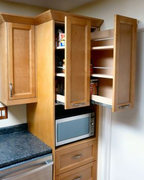 custom_kitchen_in_light_brown_deep_pullout_storage