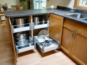 custom_kitchen_in_light_brown_roll_out_shelving