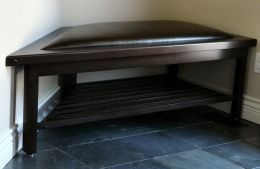 maple_corner_bench_with_leather_upholstery