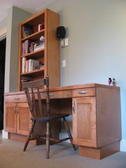 maple_desk_with_bookcase